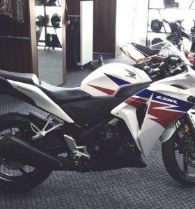 Мотоцикл Honda CBR 250R