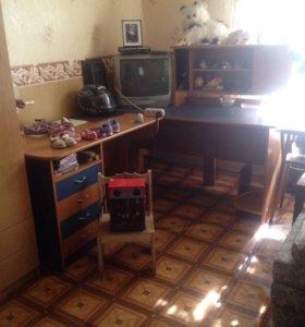 Компьютерный стол