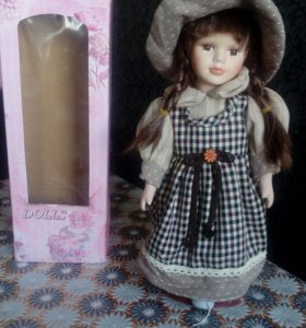 Фарфоровая кукла из Праги.