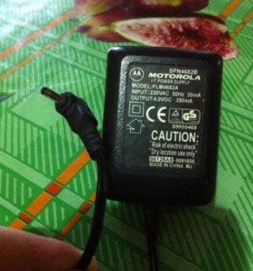 Зарядник Motorola SPN4682B