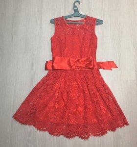 Платье (44) новое