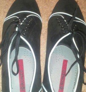 Туфли замшевые, новые.
