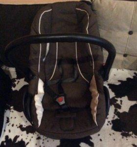 Автомобильное кресло - переноска JEDO