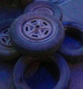 Колесо , шины на ниву