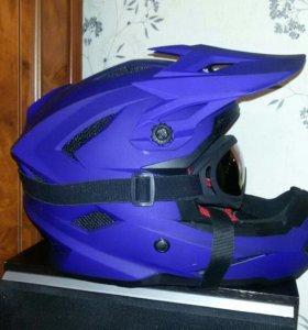 Продам Шлем с очками