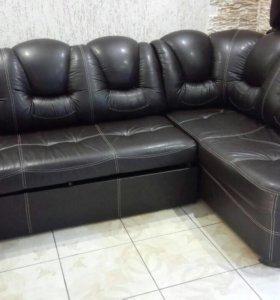 Угловой кожаный (кож-зам) диван