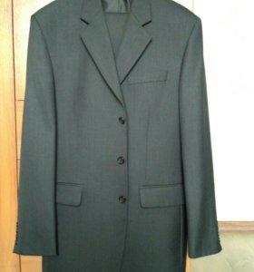 Пиджак серый.