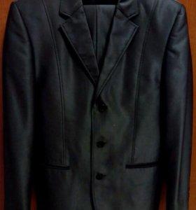 Костюм 170-88-76, пиджаки 44-46