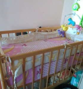 Детская кроватка-маятник-качалка