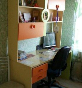 Кровать и письменный стол