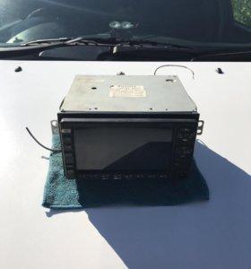 Заводской телевизор-магнитола от RAV 4