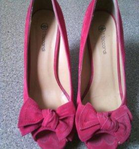 Туфельки красные р. 39