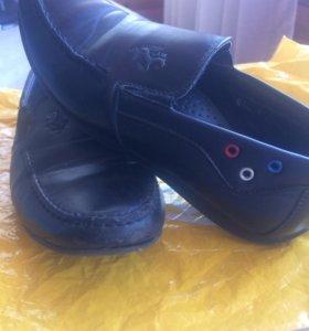 Туфли на мальчика , р33