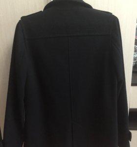 Стильное мужское пальто , в отличном состояние