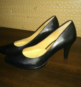 Туфли натуральеая кожа. 39 размер