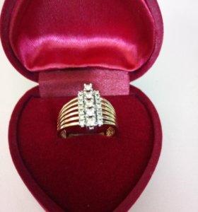 Золотое кольцо 585 пробы, вставки бриллианты