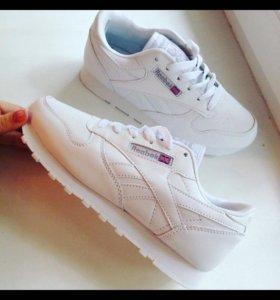 Кроссовки белые Reebok 41 размер