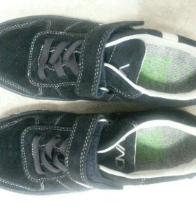 Новые замшевые кроссовки Vado, р 36