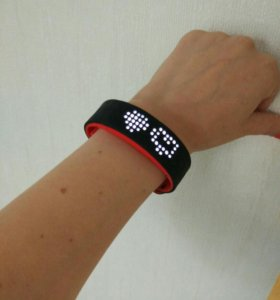 Фитнес браслет, умные часы