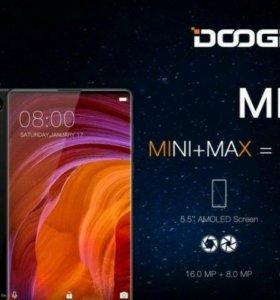 Doogee Mix - мощный безрамочный смартфон