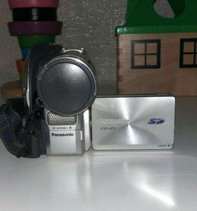 Видиокамера DVD-RW
