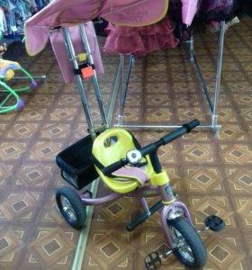 Велосипед трехколесный с родительским контролем