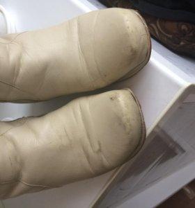 Профессиональный уход за обувью и одеждой из натуральной кожи, нубука, замши, текстиля, комбинированной кожи.