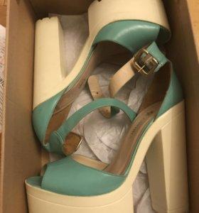 Обувь все по 1000 руб