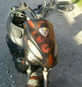 скутер в разборе