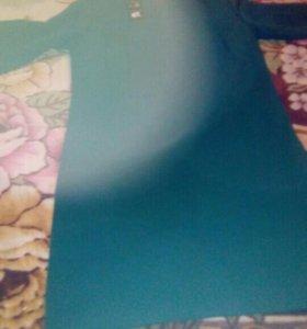 Платье зеленое цвет искожает