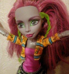 Кукла монстр хай.