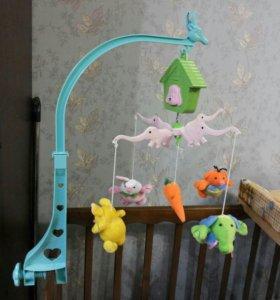 Мобиль с мягкими игрушками