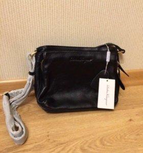 Новая кожаная женская сумка от Salvatore Ferragamo