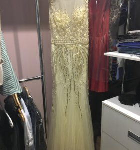 Платье вечернее/свадебное в пол