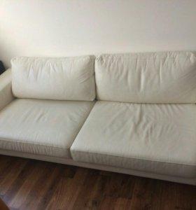 Кожаный 3х местный диван+пуфик