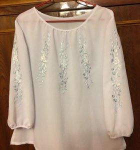 Блузка белая с вышивкой длинный рукав