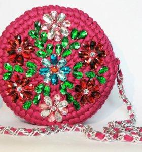 Эксклюзивная сумка с вышивкой из страз