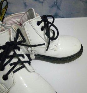 Продам лакированные ботиночки, 22-23 раз. Талнах,