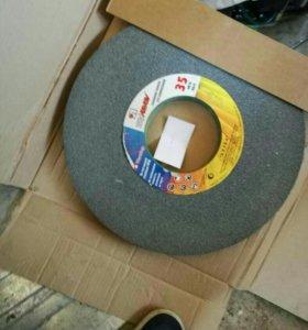 Круг абразивный для заточки рамных пил 300х10х127