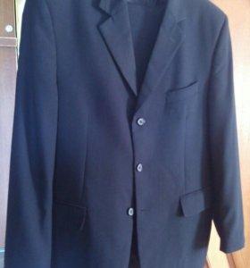 Мужской костюм черный. Обхв. груди 108, рост 170