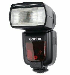 Фотовспышка Godox TT600
