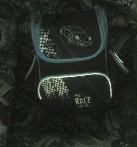 Школьный рюкзак для мальчика и 2папки