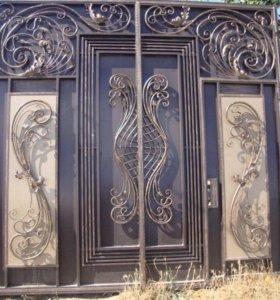 Ворота с элементами ковки и натурального камня!