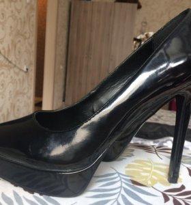 Туфли чёрные 39