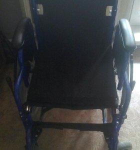 Коляска инвалидная универсальная