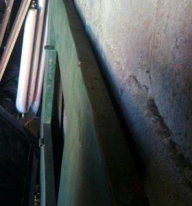Ворота гаражные в хорошем состоянии