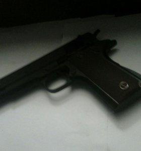 Пистолет с лазером и мешенью!!!!!!