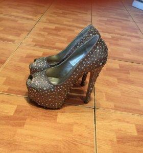 👠 Туфли.