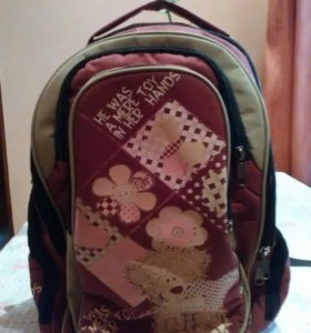 Продаю школьный рюкзак .