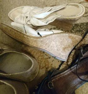 Обувь и одежда пакетом б/у даром